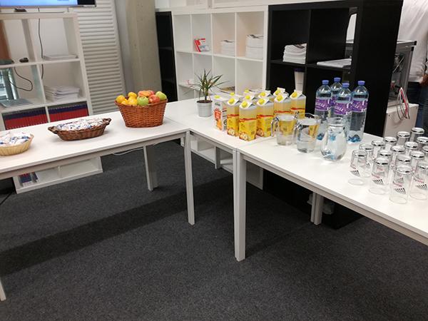 Buffet Tag der offenen Tür, Getränke und Obst